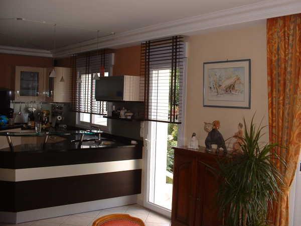 store v nitien sur mesure habitat discount stores int rieurs. Black Bedroom Furniture Sets. Home Design Ideas