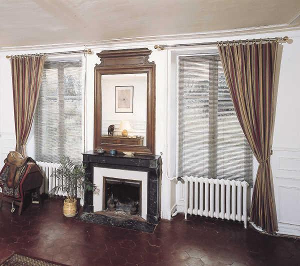 store v nitien sur mesure. Black Bedroom Furniture Sets. Home Design Ideas